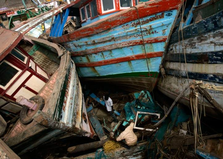 india-tsunami-boats-edit