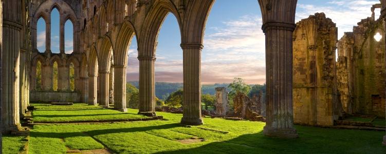 Rievaulx-Abbey 2