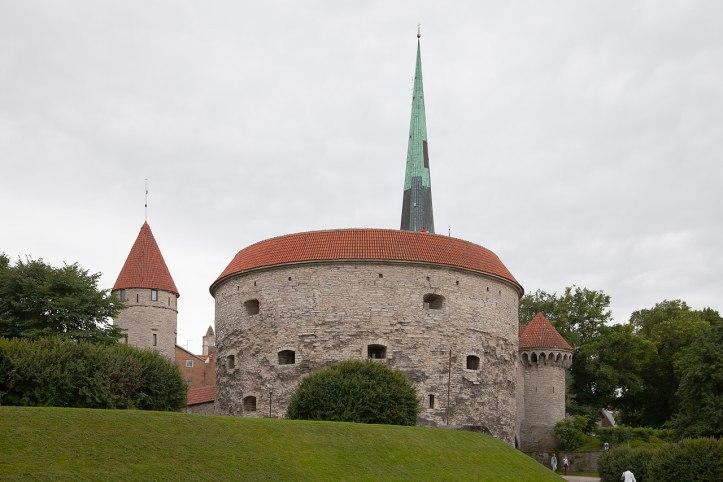 1280px-Torre_de_Margarita_la_Gorda,_Tallinn,_Estonia,_2012-08-05,_DD_03