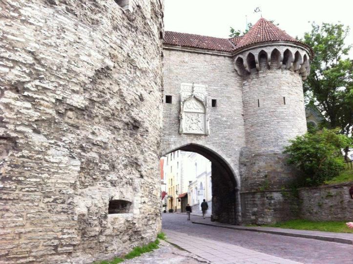 tallinn town gate
